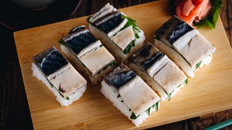 Oshizushi with cooked fish