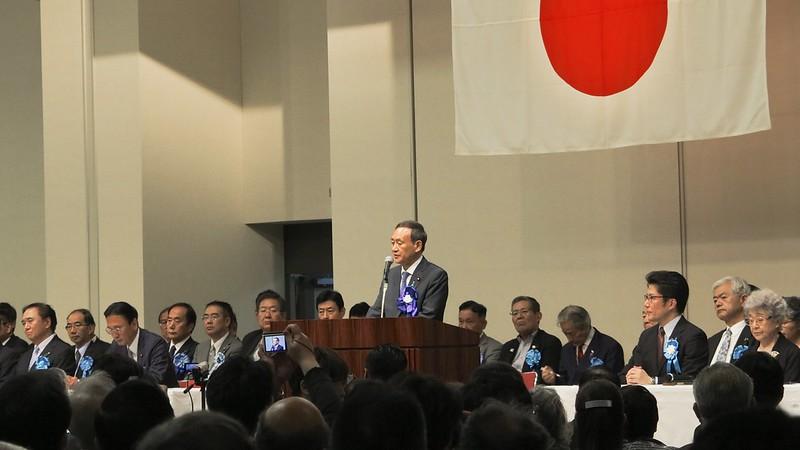 yoshihide-suga